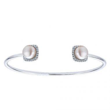 14k White Gold Gabriel & Co. Diamond And Pearl Bangle Bracelet